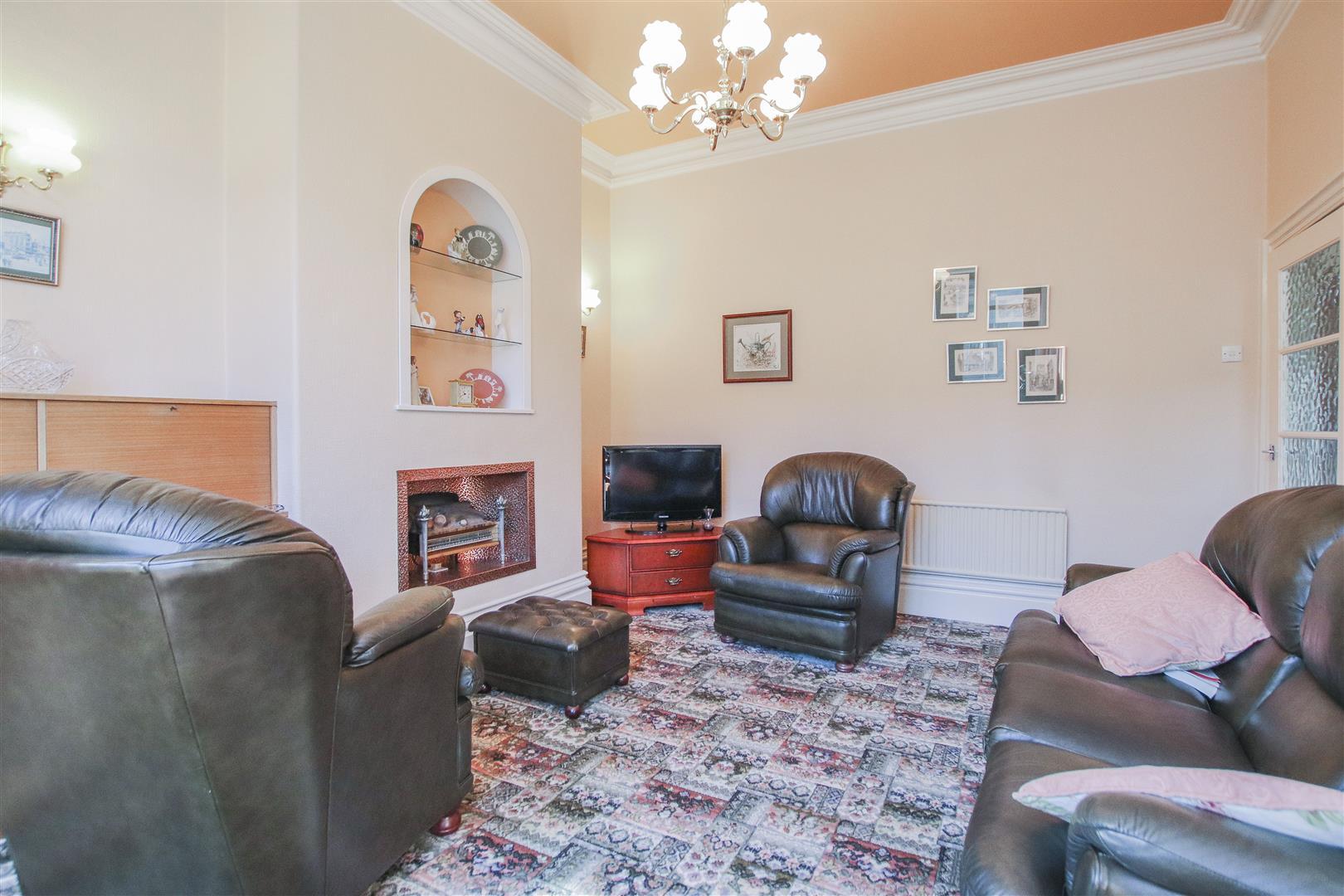 3 Bedroom End Terrace House For Sale - 15.JPG
